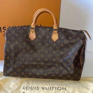 Authentic Louis Vuitton speedy 40 satchel tote bag